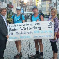 Ute Jansen und Markus Frommlet Begrüßung in Wangen bei der ersten Umrundung Baden-Württembergs