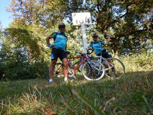 Ute Jansen und Markus Frommlet mit Rennrad bei der ersten Umrundung Baden-Württembergs